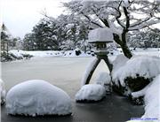 Kenrokuen gardens after a big dump of snow, uploaded by 1worldimages