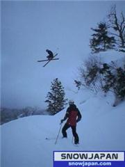 jump over the hols, uploaded by Fattwins  [Hakuba Happo-one, Hakuba Village, Nagano]