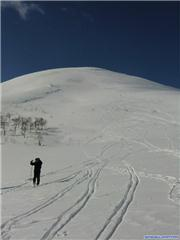 Some nice snow on the run down, uploaded by Go Native  [Rankoshi Chisenuppuri, Rankoshi Town, Hokkaido]
