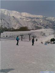 Up at Alps Diara, uploaded by Hotfeet  [Hakuba Goryu, Hakuba Village, Nagano]