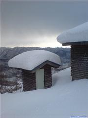 outhouse, uploaded by Mick Rich  [Hakuba Iwatake Snow Field, Hakuba Village, Nagano]