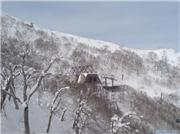 Looking back to the gondola station and the top of lift no.8, uploaded by Mick Rich  [Hoshino Resort Tomamu, Shimukappu Village, Hokkaido]