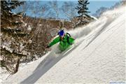 Ian M skiing 'Hangman' at Kiroro, uploaded by Mike Pow  [Kiroro Snow World, Akaigawa Village, Hokkaido]