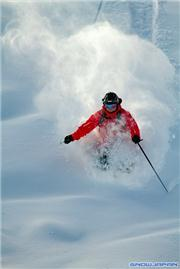Neil on the fringes of Center, uploaded by Mike Pow  [Niseko Mountain Resort Grand Hirafu, Kutchan Town, Hokkaido]