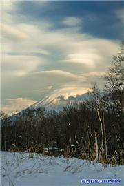 Mt Yotei, uploaded by Mike Pow  [Niseko Village Ski Resort, Niseko Town, Hokkaido]