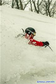 Melanie Jones and Frank Salter skiing the Kiroro powder, uploaded by MikePow  [Kiroro, Akaigawa Village, Hokkaido]