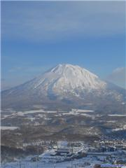 Mt Yotei Bluebird, uploaded by Tex  [Niseko Mountain Resort Grand Hirafu, Kutchan Town, Hokkaido]