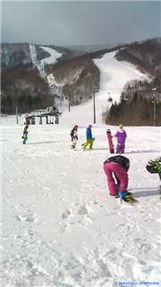 Pre open day at Geto Nov 2011\r\n\r\nGreat start to the season!, uploaded by snowsurf  [Geto Kogen, Kitakami Town, Iwate]